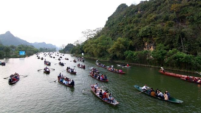 Le Festival de la pagode Huong accueille 1,4 million de visiteurs