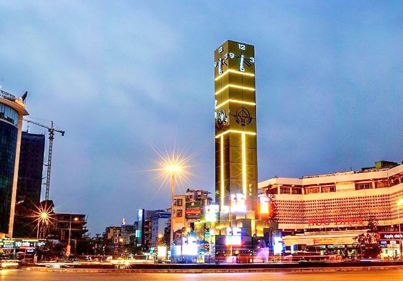 Percée de la ville d'Ha Long dans le développement des infrastructures