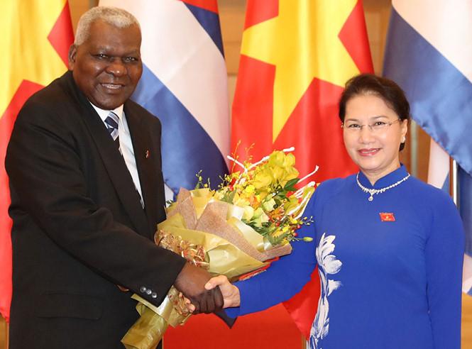 Approfondir les relations législatives Vietnam-Cuba
