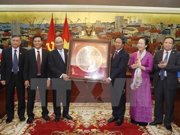 Le chef du gouvernement exhorte Hai Phong à devenir un pôle de croissance