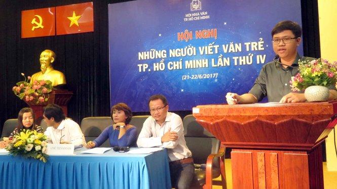 Les jeunes écrivains en action à Hô Chi Minh-Ville