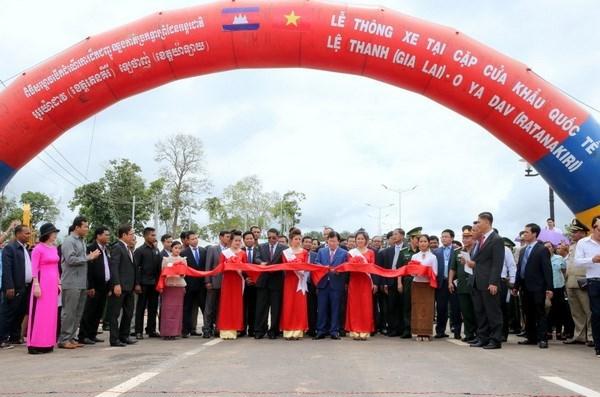 Ouverture au trafic d'une route entre le Vietnam et le Cambodge
