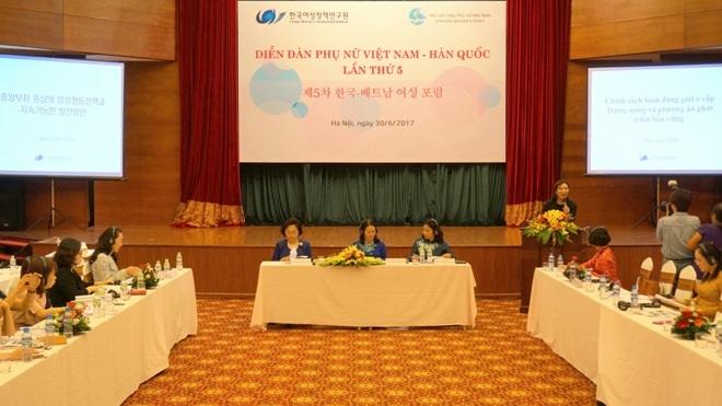 5e Forum de la Femme Vietnam - République de Corée à Hanoï