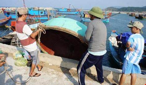 Aide aux pêcheurs touchés par la catastrophe écologique sur les côtes du Centre