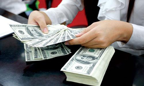 1er semestre: plus de 2 milliards de dollars de devises étrangères envoyées à HCM-V