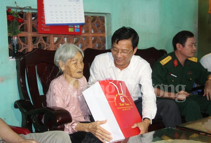 Quang Ninh: «la gratitude envers les héros de guerre est une activité permanente et continue»