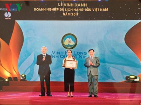 La baie d'Ha Long, premier site touristique du Vietnam