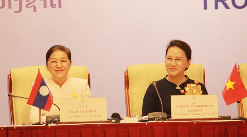 Vietnam-Laos: le rôle des députées dans les activités parlementaires