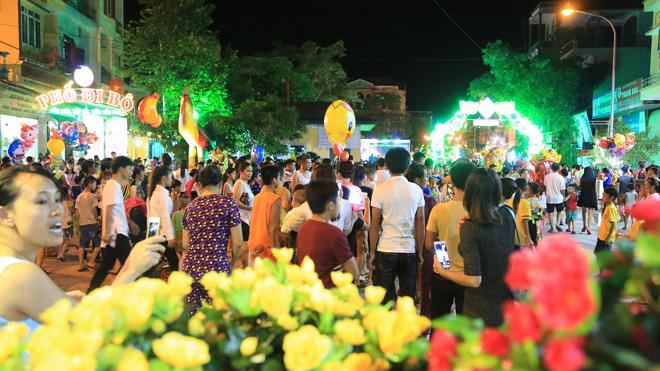 La rue piétonne de Tien Yen (Quang Ninh) - le 2e Hoi An