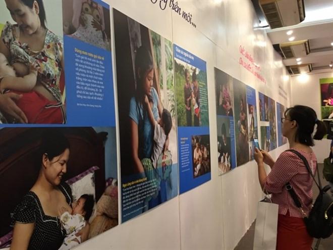 Exposition de photos sur la beauté de l'allaitement maternel