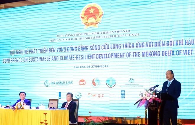 Le Premier ministre demande au delta du Mékong de développer une agriculture intelligente et durable