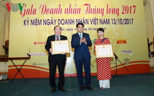Hanoi reconnaissante envers les hommes d'affaires et chefs d