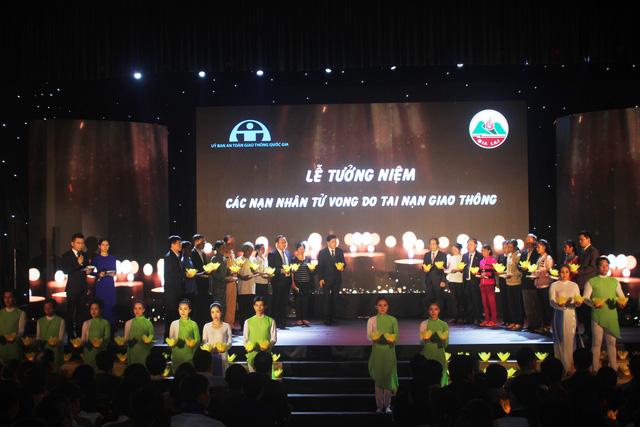 Hommage aux victimes des accidents de la route à Gia Lai