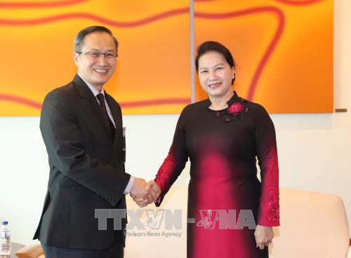 La présidente de l'AN du Vietnam entame sa visite officielle à Singapour