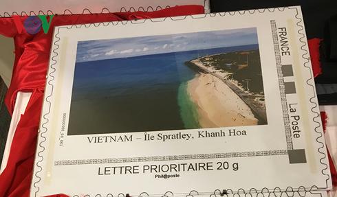 Des paysages maritimes et insulaires du Vietnam imprimés sur des timbres-poste français