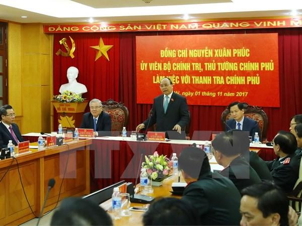 Le Premier ministre Nguyên Xuân Phuc travaille avec l'Inspection gouvernementale