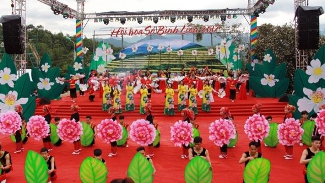 L'ouverture de la fête florale des camélias à huile 2017