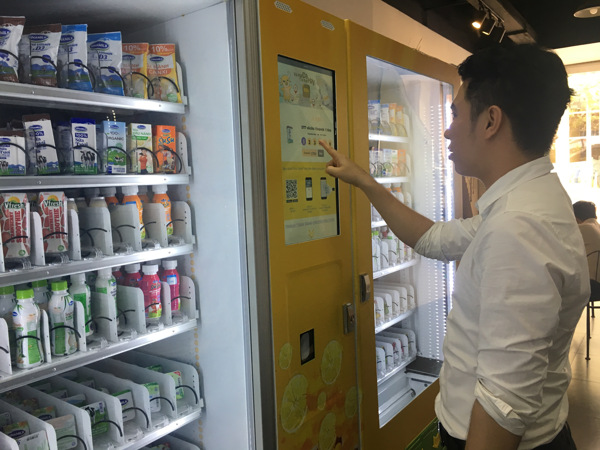HCM-Ville: Toromart, le dépanneur sans vendeurs qui satisfait les clients