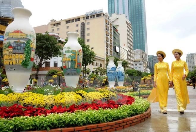HCM-V: la rue des fleurs Nguyen Hue célèbre le Nouvel An lunaire