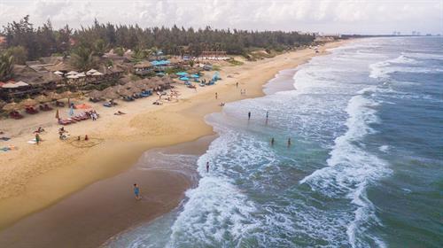 La beauté de la plage d'An Bang – Hôi An
