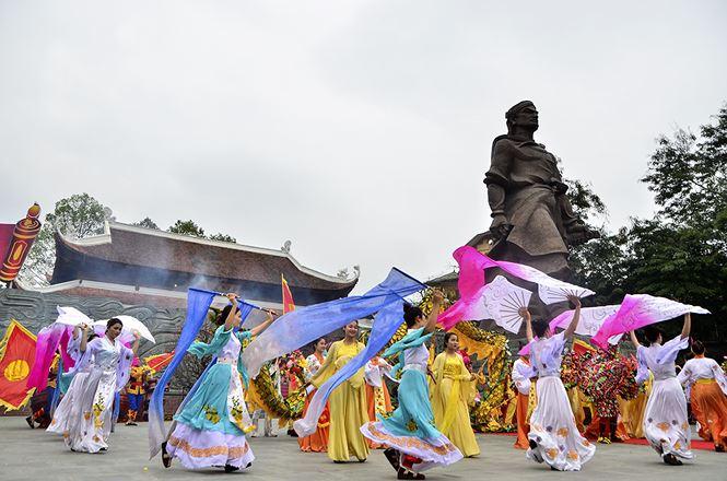 Préserver l'identité culturelle nationale à travers les fêtes