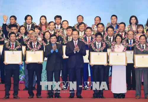 Hommage à 70 présidents exemplaires de syndicats de divers échelons