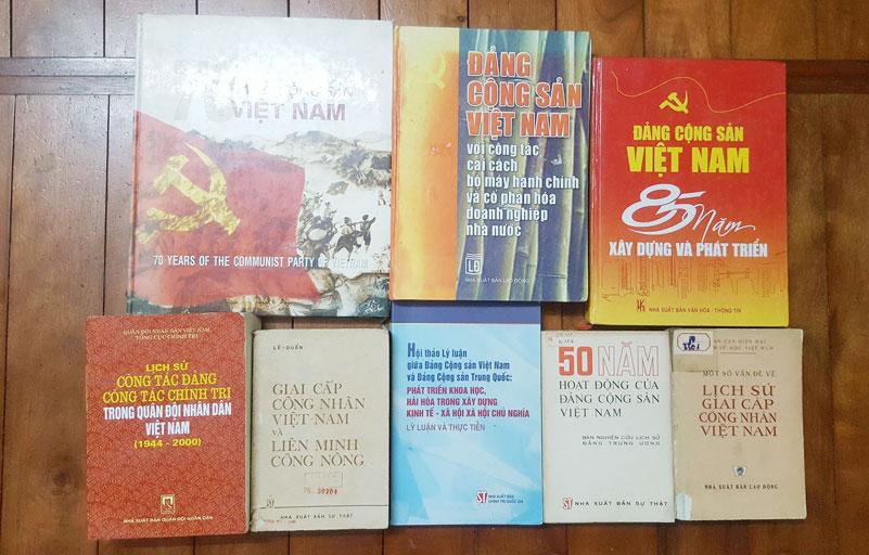 Hanoï : présentation de nombreux documents sur l'histoire du PCV lors d'une foire aux livres anciens
