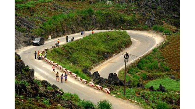 Cinq cents athlètes courront le marathon international à Hà Giang
