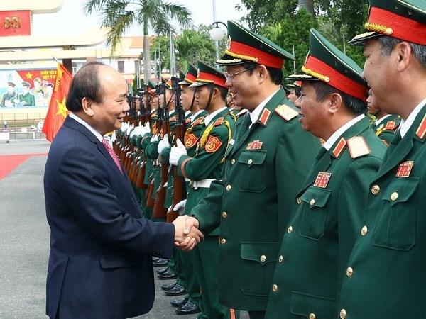 """À la 5e Région militaire, le Premier ministre souligne l'exemple de """"Soldats de l'Oncle Hô"""""""