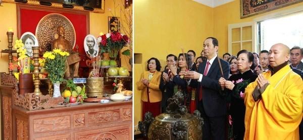 Des dirigeants multiplient les visites à l'approche du Têt du Chien