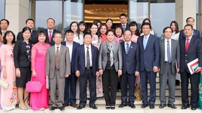 La présidente de l'AN rencontre des représentants des PME