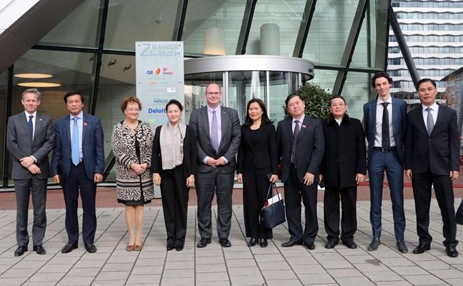 Aviation: la présidente de l'AN vietnamienne travaille avec la société néerlandaise NACO