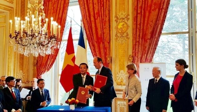 Coopération franco-vietnamienne resserrée dans les technologies spatiales et la propriété intellectuelle
