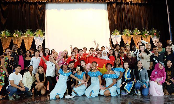 Les couleurs vietnamiennes au Gala asiatique à Cuba