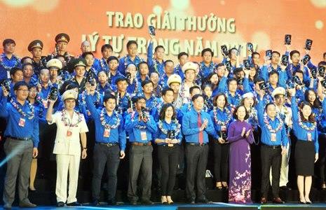 Le prix Ly Tu Trong 2018 attribué à 87 jeunes exemplaires