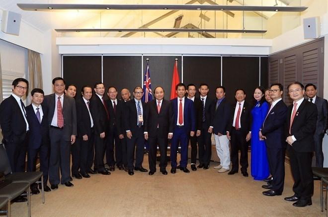 Le Premier ministre rencontre des entrepreneurs et intellectuels vietnamiens en Australie