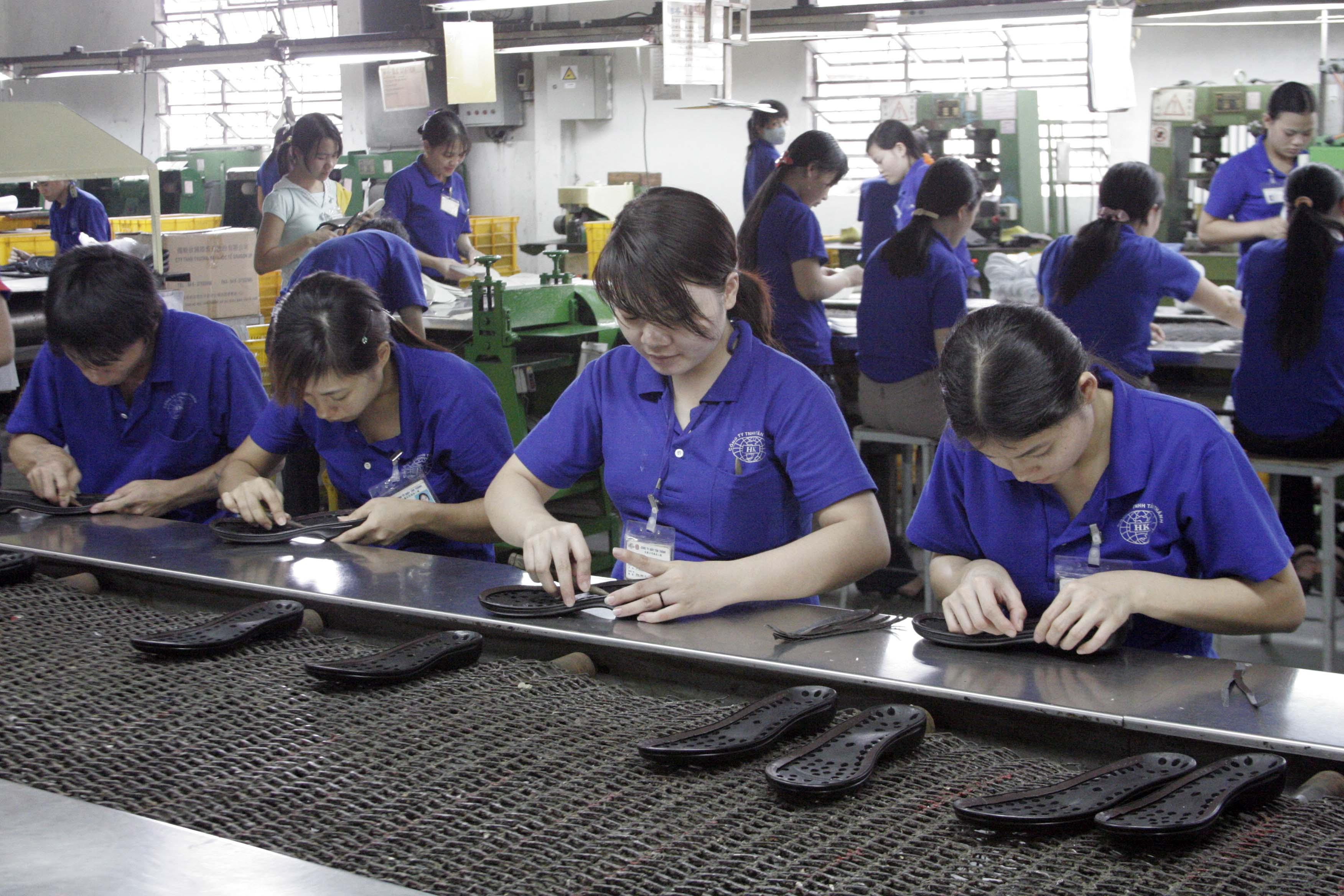 Le Vietnam 2e exportateur mondial de chaussures