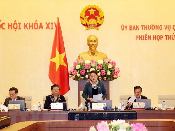 Le Comité permanent de l'Assemblée nationale se réunit à Hanoi