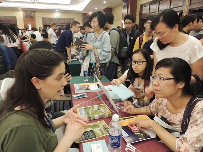 Le système d'éducation américain en vedette dans une exposition à HCM-V