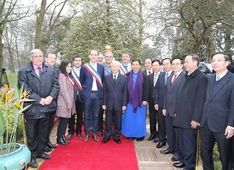 Vietnam - France: les relations traditionnelles entre les deux partis communistes ne cessent de se développer
