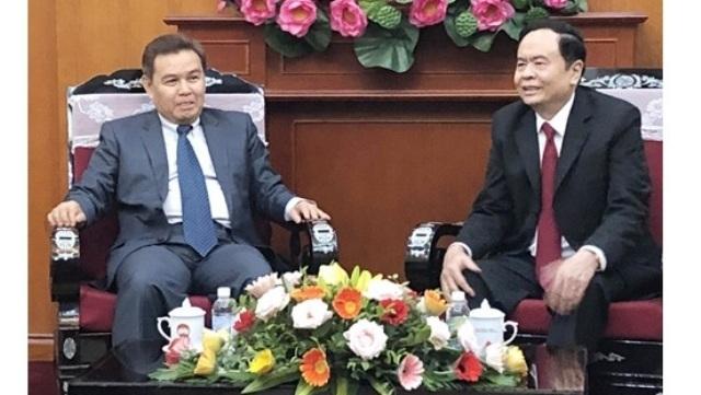 Les Fronts vietnamiens et laotiens renforcent leurs liens