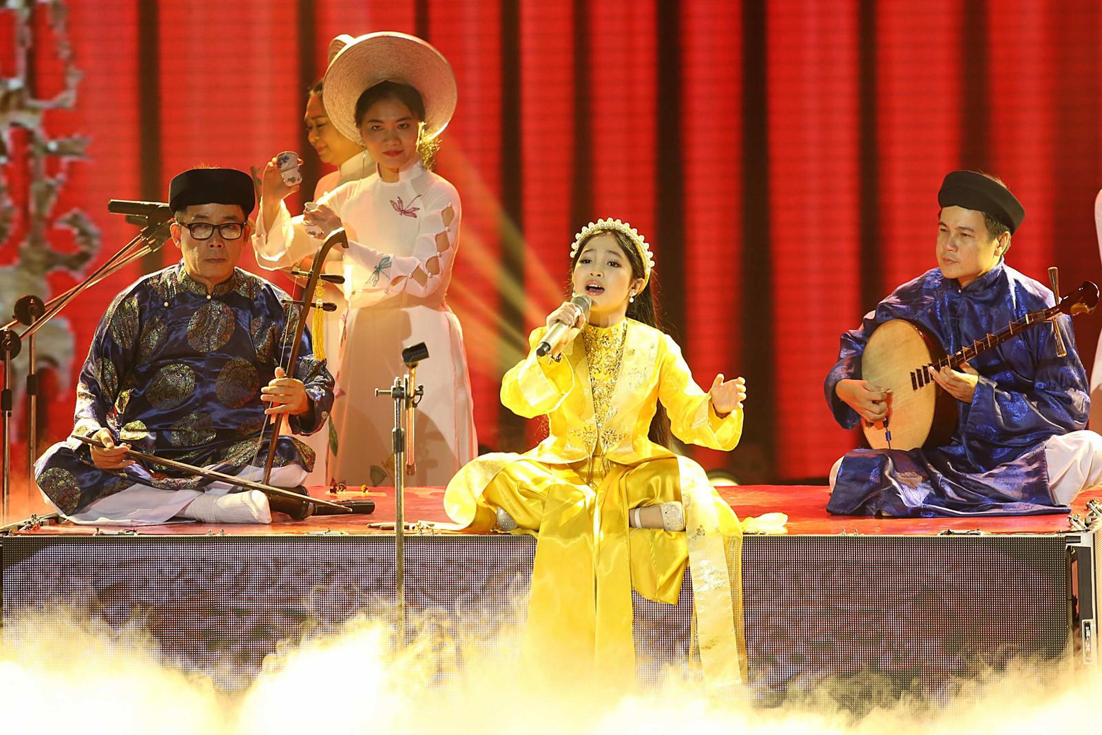 """Huê : bientôt le Festival national des chants """"hat van"""" et """"châu van"""" 2018"""