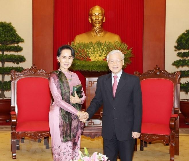 Le leader du PCV reçoit la la conseillère d'État du Myanmar