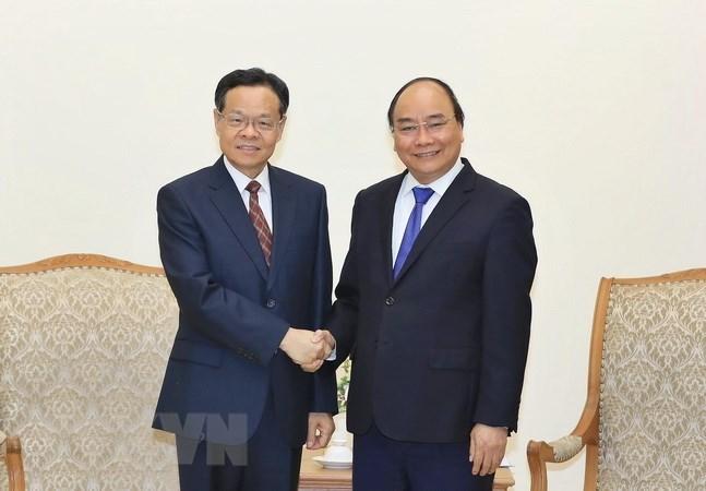 Le PM reçoit le président de la région autonome Zhuang du Guangxi