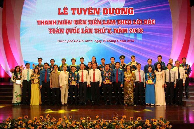 Distinction de jeunes suivant l'enseignement du Président Ho Chi Minh