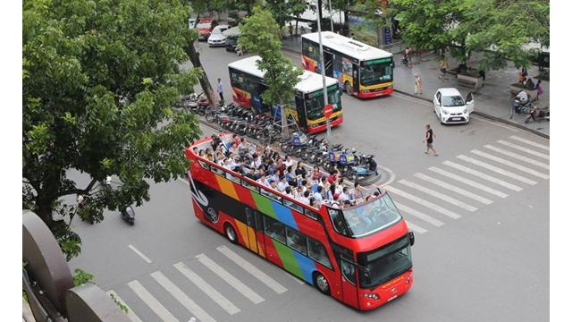 Inauguration expérimentale des bus à deux étages
