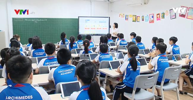 """Vietnam – Japon: un modèle de """"classe intelligente"""" testé à l'école primaire Archimedes Academy"""