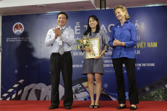 Remise des prix du concours du film sur les catastrophes naturelles au Vietnam