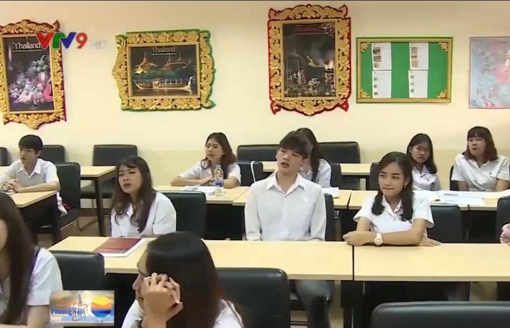 Renforcement de l'enseignement de la langue vietnamienne dans des universités thaïlandaises