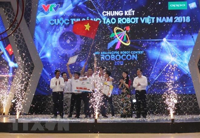L'Université Lac Hong domine le concours Robocon Vietnam 2018